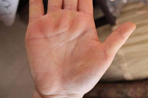 50岁以后发财的手相  晚年生活不错的手相特征